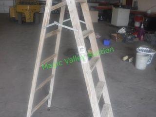 Wooden Ladder 6'