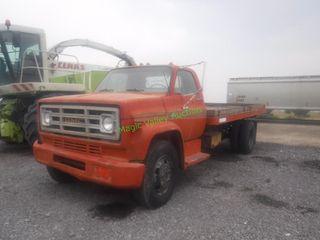 1974 GMC 6000 Truck w/ Dump Bed