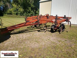 15' Hinicker chesel plow, 12
