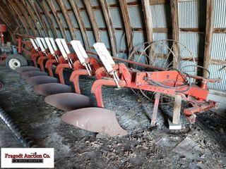 International 720 Semi Mounted Plow, 6/18's, Auto