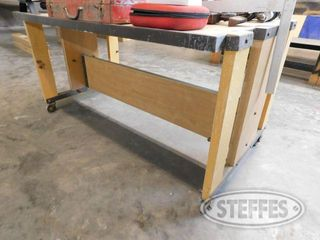 Work-Bench-on-Casters_1.jpg