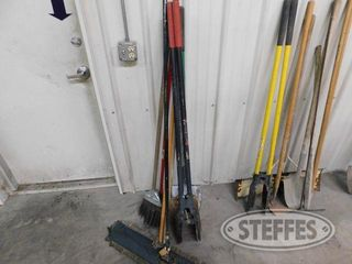 Assorted-Yard-Tools_1.jpg