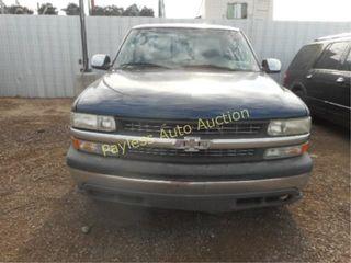 2000 Chevrolet Silverado 1GCEC19V0YZ216830 Blue