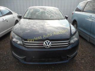 2013 Volkswagen Passat 1VWBP7A35DC028061 Blue