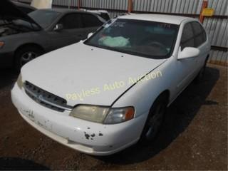 1998 Nissan Altima 1N4DL01D7WC177832 White