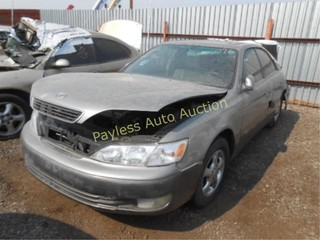 1999 Lexus ES 300 JT8BF28G7X0212875 Gry