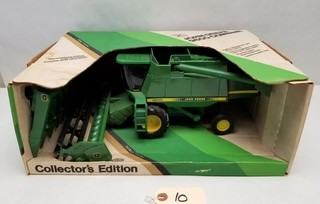 ERTL John Deere 9600 Combine in Original Box