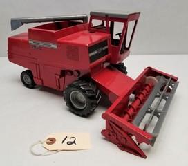 Vintage ERTL Massey Ferguson 860 Combine