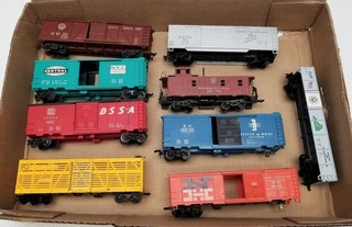 (9) HO Scale Model Train Cars