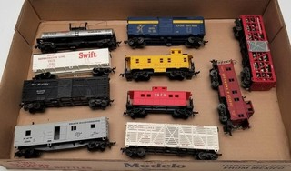 (10) HO Scale Model Train Cars
