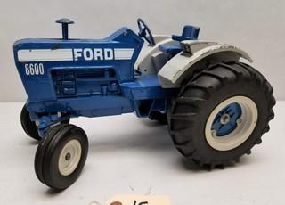 Vintage ERTL 8600 Ford Tractor