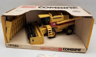 ERTL New Holland TR96 Combine Special Edition