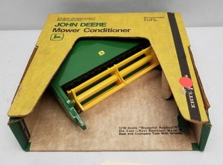ERTL John Deere Mower Conditioner in Original Box