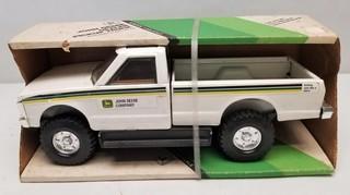 ERTL John Deere Dealer Pickup Truck