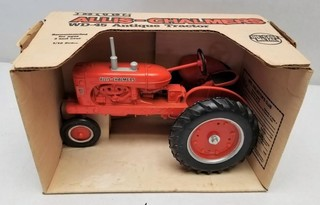 ERTL Allis-Chalmers WD-45 Antique Tractor