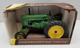 ERTL John Deere 1953 70 Row Crop Tractor