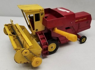 Vintage ERTL New Holland Harvester