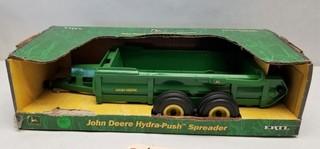 ERT: John Deere Hydra-Push Spreader