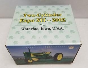 ERTL John Deere Model 520 Tractor