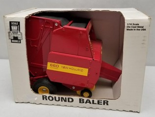 Ford New Holland Model 660 Round Baler 1/16 Scale