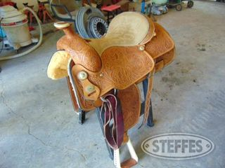 Saddle-Barn_1.jpg