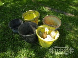 Feed-buckets---water-pails_1.jpg