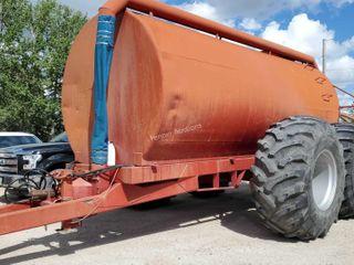 6,000 Gallon Manure Tank