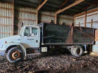 2001 Freightliner FL70 Grain Truck 18ft B&H