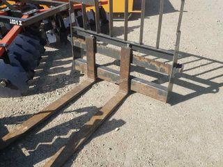 """New Holland 48"""" Pallet Forks Skid Steer Q/C"""
