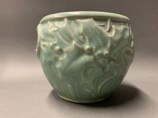 Green McCoy Coy Pottery Vase D Holly and Berry D 4