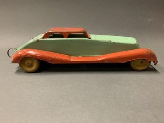 1930 green and red windup car 12In long