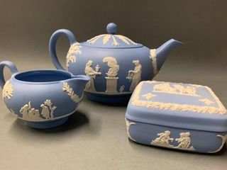 Wedgwood Table Ware Set