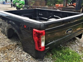 2018 8' Ford Truck Bed W/ Back Up Camera