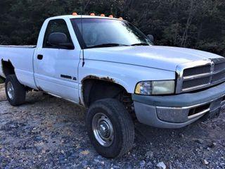 1998 Dodge Ram 2500 Pickup Truck