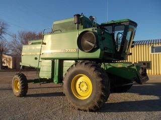Harvesters - Combines 1988 JOHN DEERE 7720 41356