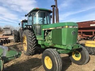 Tractors - 100 HP to 174 HP 1981 JOHN DEERE 4440 4