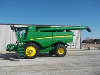 Harvesters - Combines 2013 JOHN DEERE S670 41383