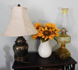 Lamp lot to include oil lamp, brass lamp, piggy