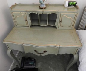 Ladies writing desk in green paint 20? x 34?