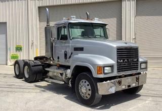 2001 Mack Trucks CH613 Road Tractor