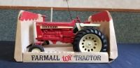 1/16th Ertl Farmall BUBBLE BOX 1206 Turbo