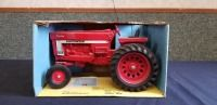 1/16th Ertl International BLUE BOX 966 Hydro
