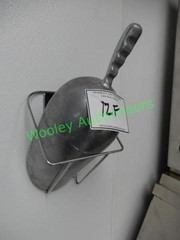 Ice Scoop and wall mount