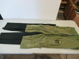 2  Pairs Mens Pants  Size  Short  Small