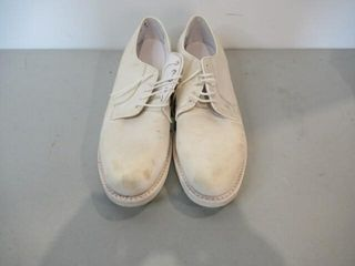As Is Mens Naval White Dress Shoes  Size 8 1 2