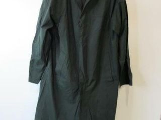 Mens lightweight Green Raincoat Size 36 Tall