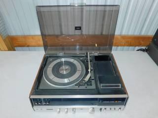 Vintage Panasonic AM/FM Record Player Music Center