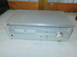 Vintage JVC JT-V22 AM/FM Stereo Tuner Radio