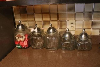 5 Pc Canister Set & Cookie Cutters