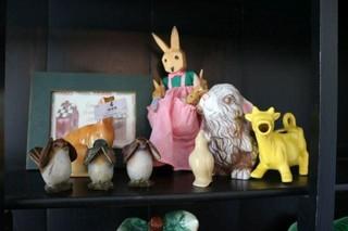 Pie Bird, Figurines, And Miscellaneous